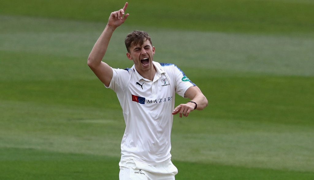 Warwickshire v Yorkshire - Specsavers County Championship: Division One
